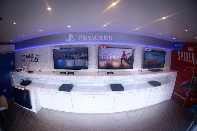 PlayStation_Truck.jpg