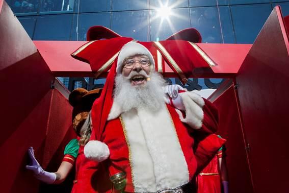 A Chegada do Papai Noel nos Shoppings de São Paulo   bora.aí af5ba7e8f3